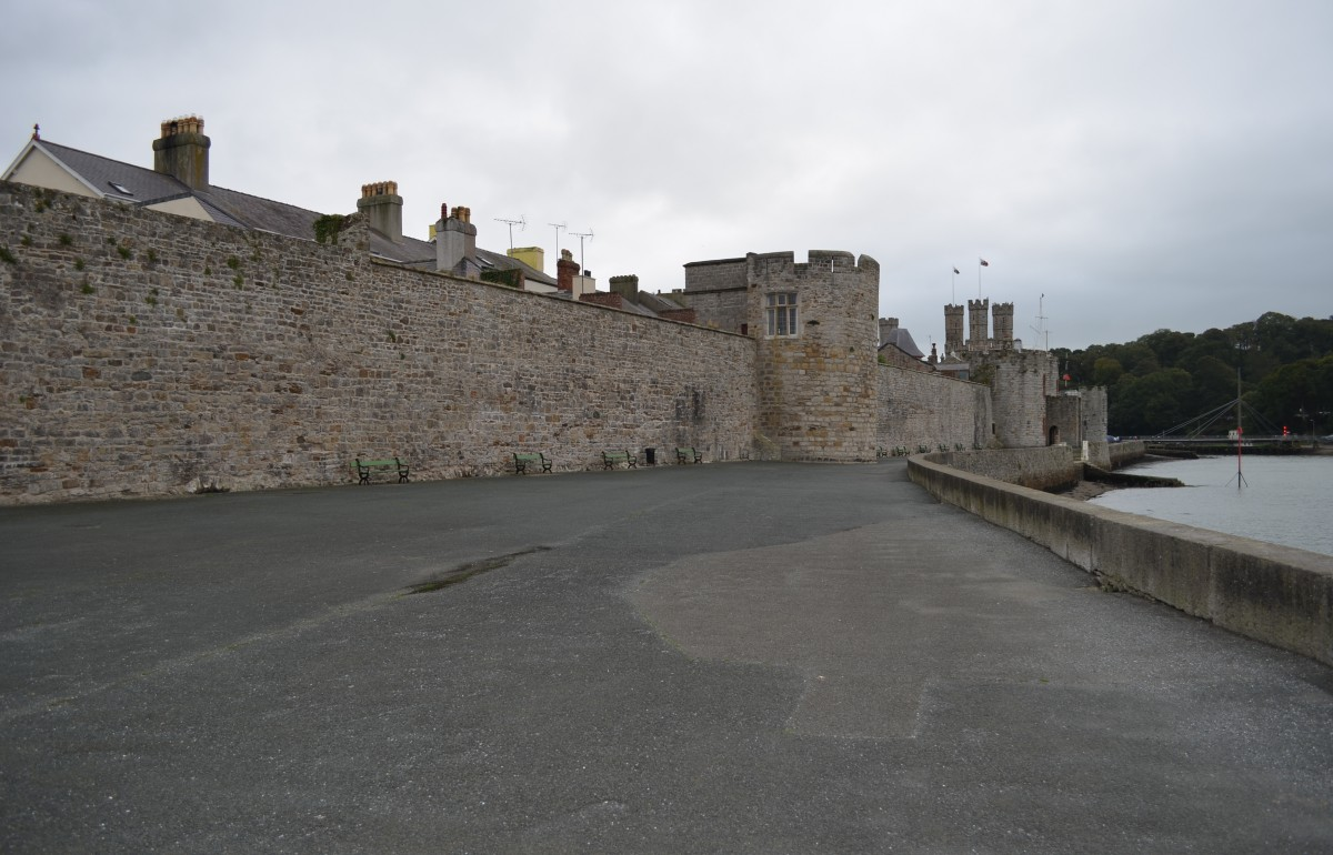 Existing view of Caernarfons  old promenade.
